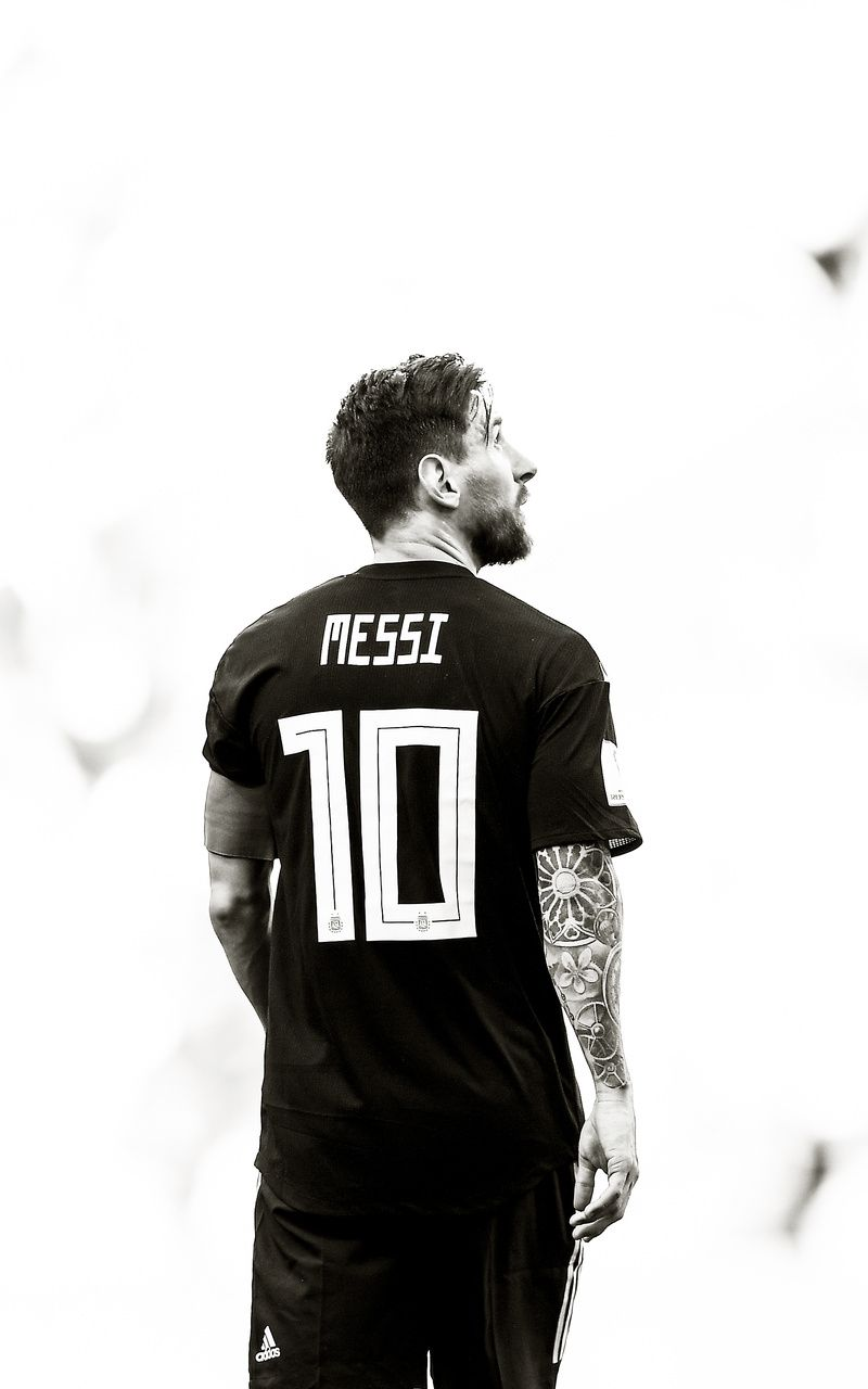 Messi Black and White