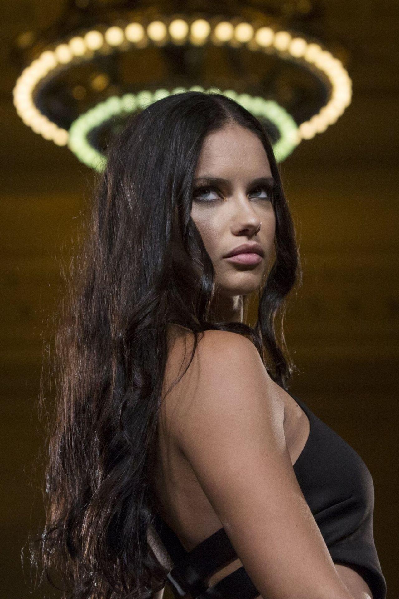 Adriana Lima Clothes
