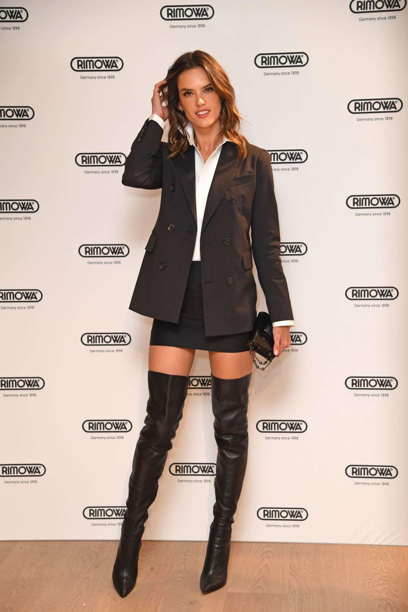 Alessandra Ambrosio Leather Gloves