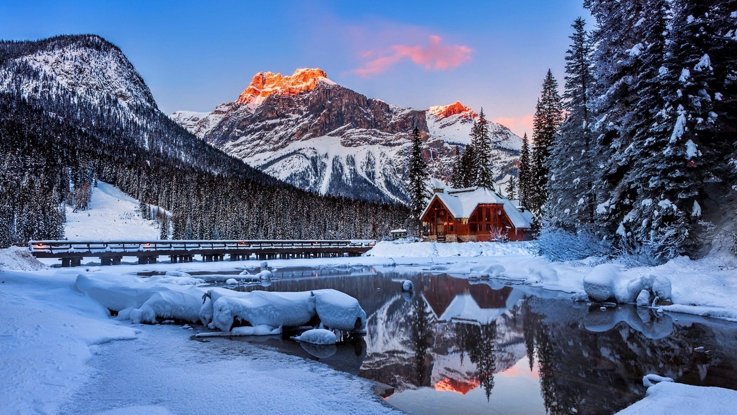 Snow Mountain Screensavers