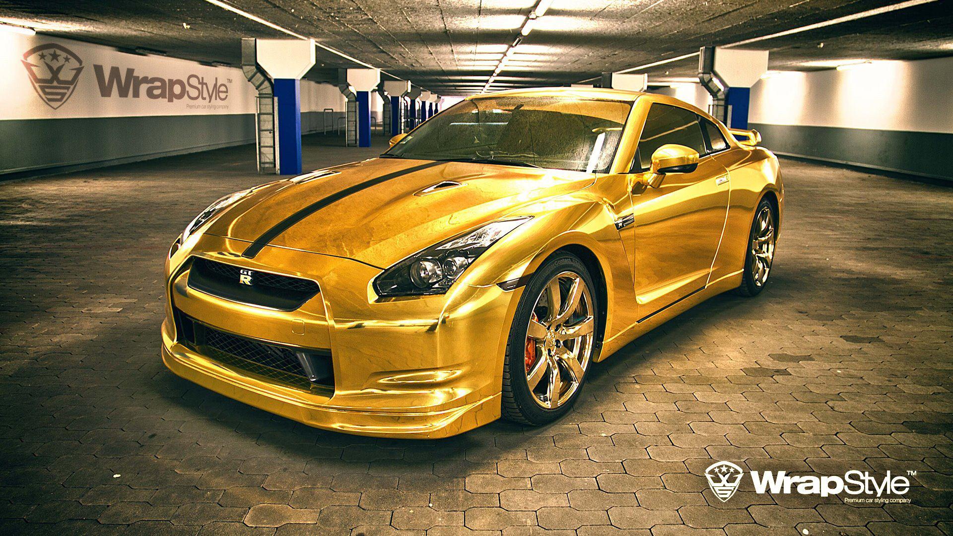 Nissan GT R Gold