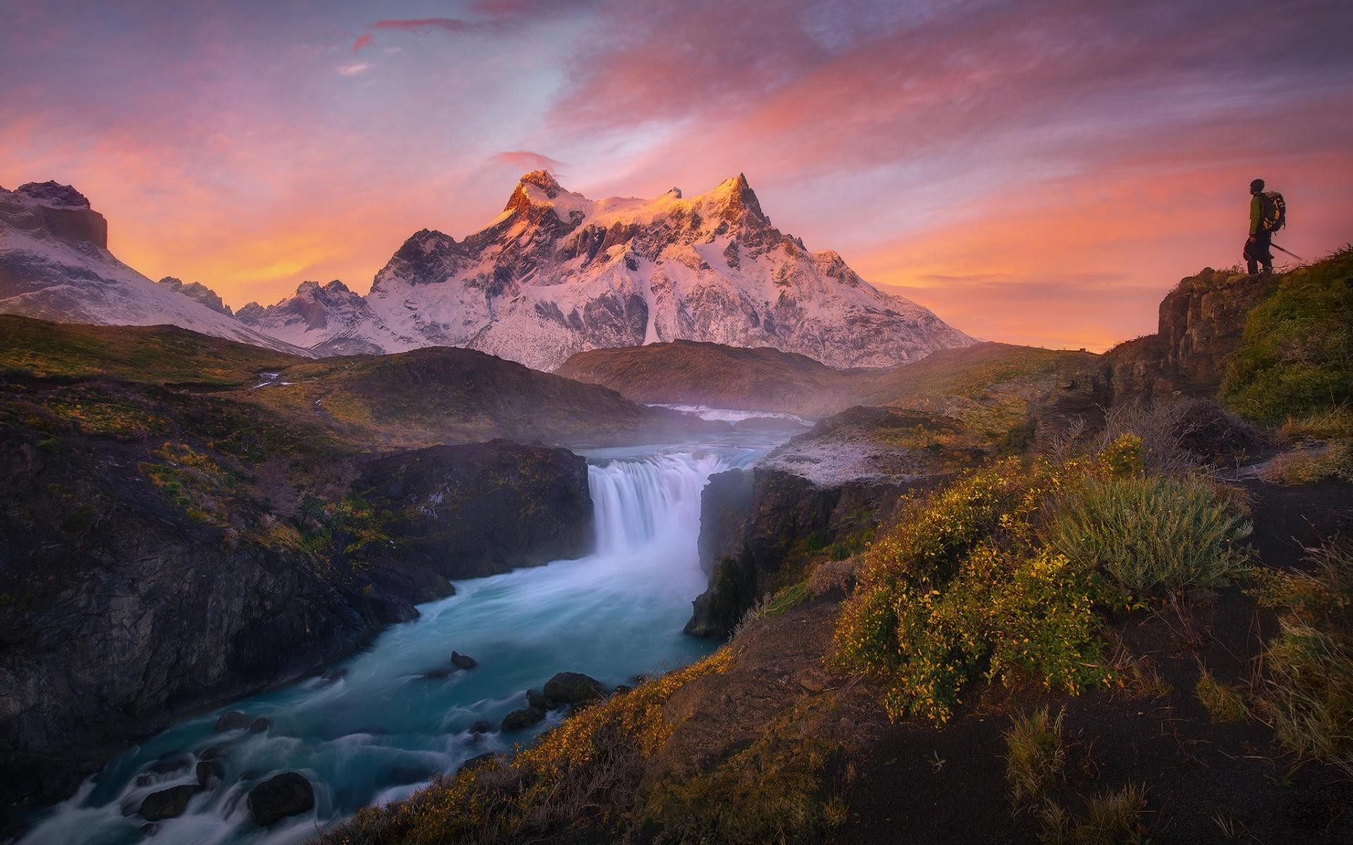 Mountain Waterfall Scenery Wallpaper