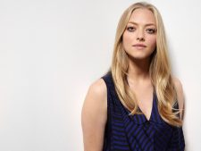 Amanda Seyfried Background Free Download