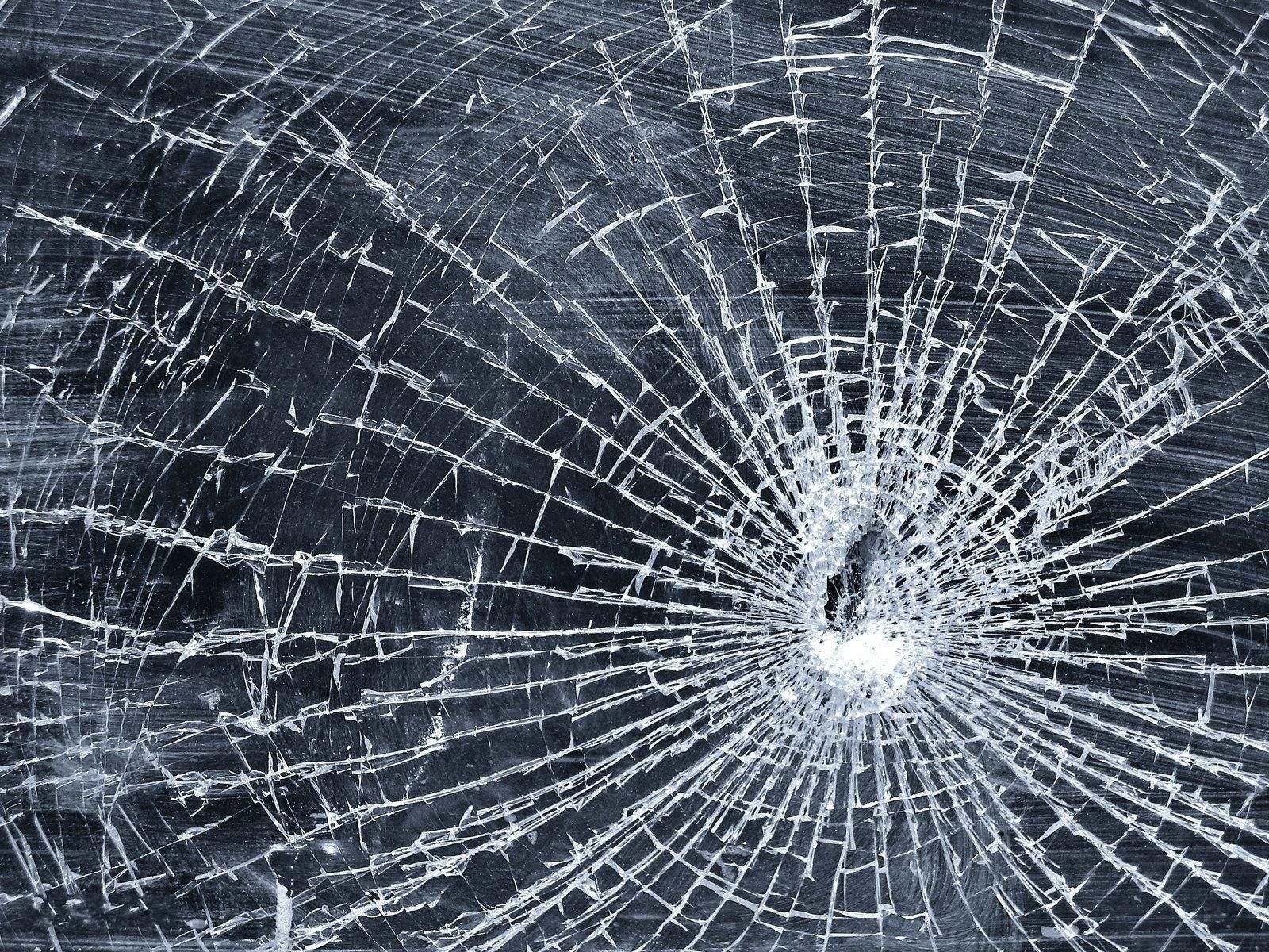 hd cracked screen wallpaper