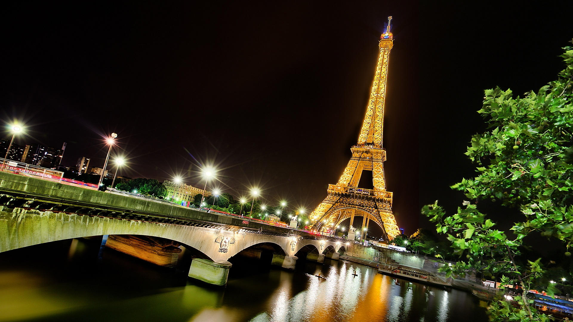 hd-wallpapers-eiffel-tower-paris-night-1920x1080 | wallpaper.wiki