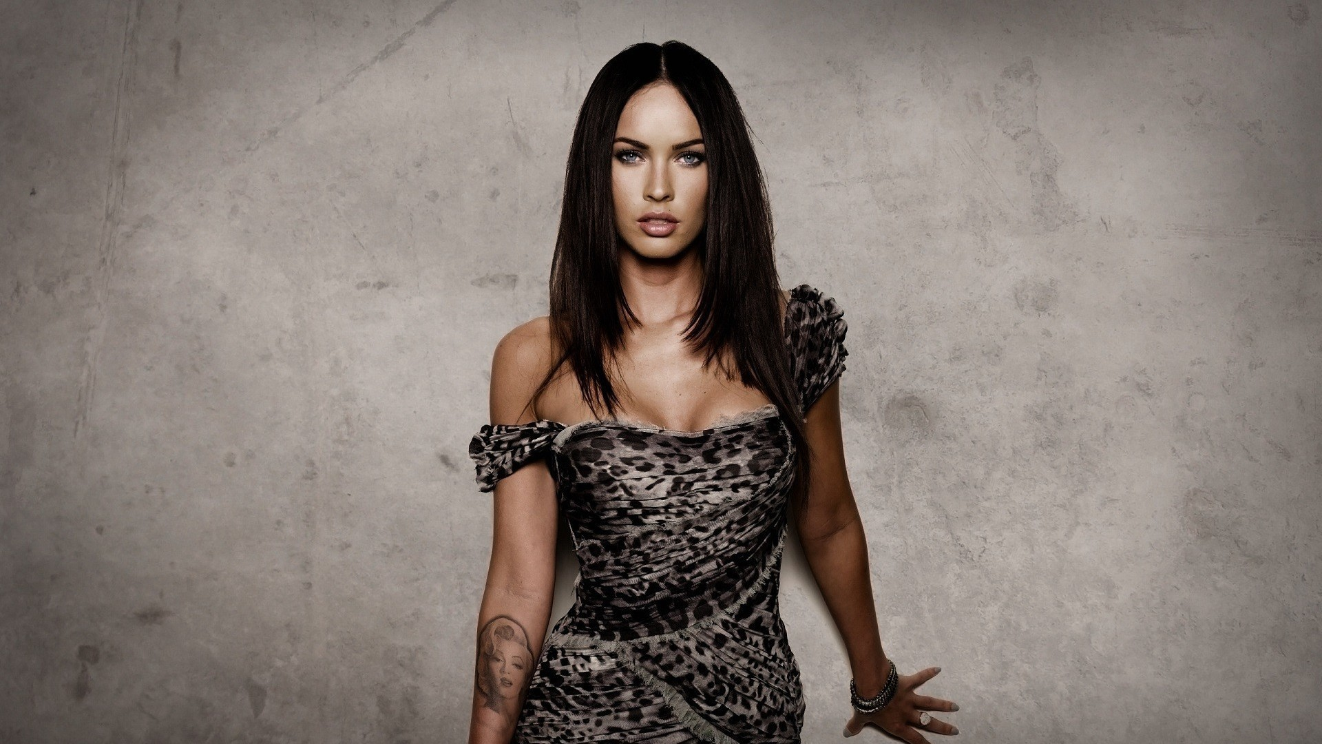 megan-fox-hd-resolution-wallpaper | wallpaper.wiki