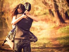 Download Free Love Kiss Backgrounds