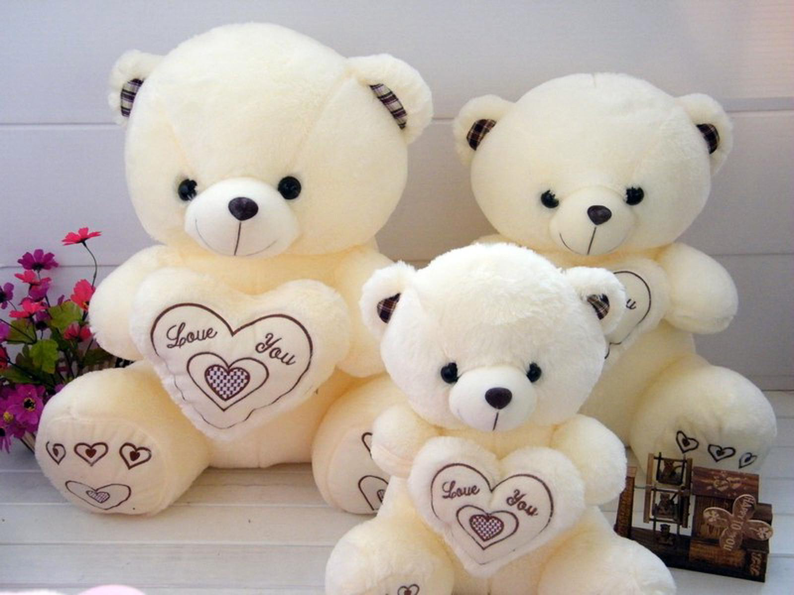 wallpaper.wiki-white-teddy-bear-doll-with-love-for-romantic